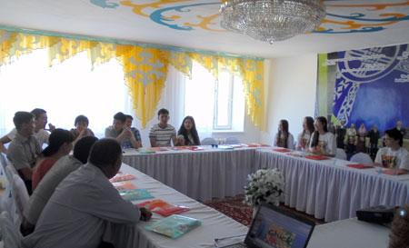 В ходе встречи ребятам предложили помощь в создании молодежного клуба в посёлке.