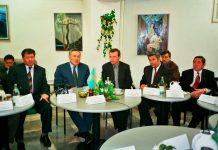 Визит Н.А.Назарбаева в Немецкий дом г.Алматы. 1995 г.