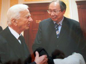 Булат Султанов на встрече с Федеральным президентом ФРГ Рихардом фон Вайцзеккером.