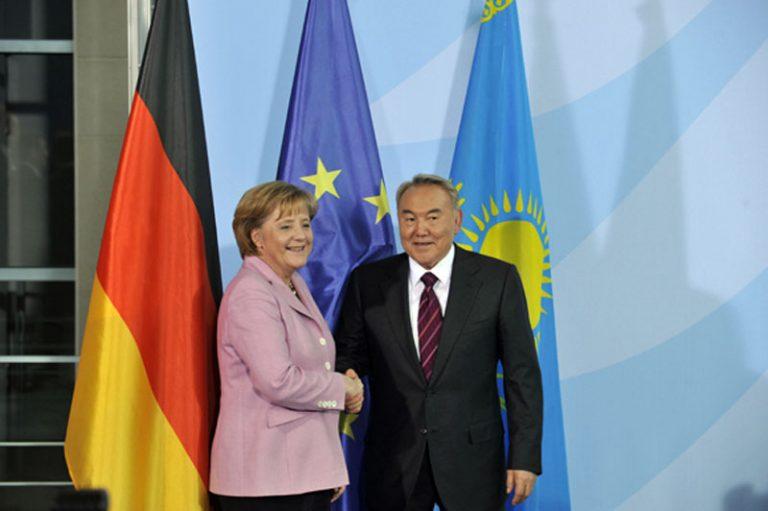 Нурсултан Назарбаев поздравил Меркель