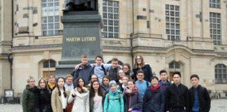 У памятника Мартину Лютеру