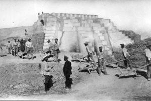 Ort der Zwangsarbeit: Ziegelei in der Steppe.