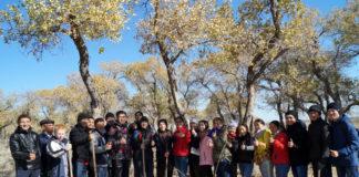В ходе экологической акции учащиеся провели разъяснительную работу с жителями, активную поддержку в этом вопросе оказал акимат района.