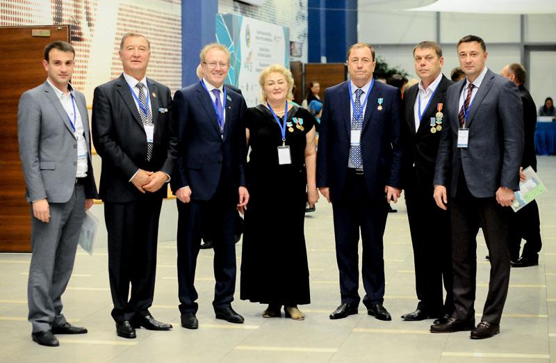 На общенациональной конференции немцев Казахстана.