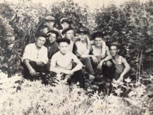 Александр Франц с сослуживцами. 1960 г.