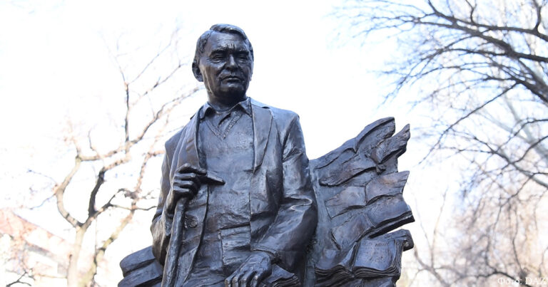 Открытие памятника Герольду Бельгеру в Алматы