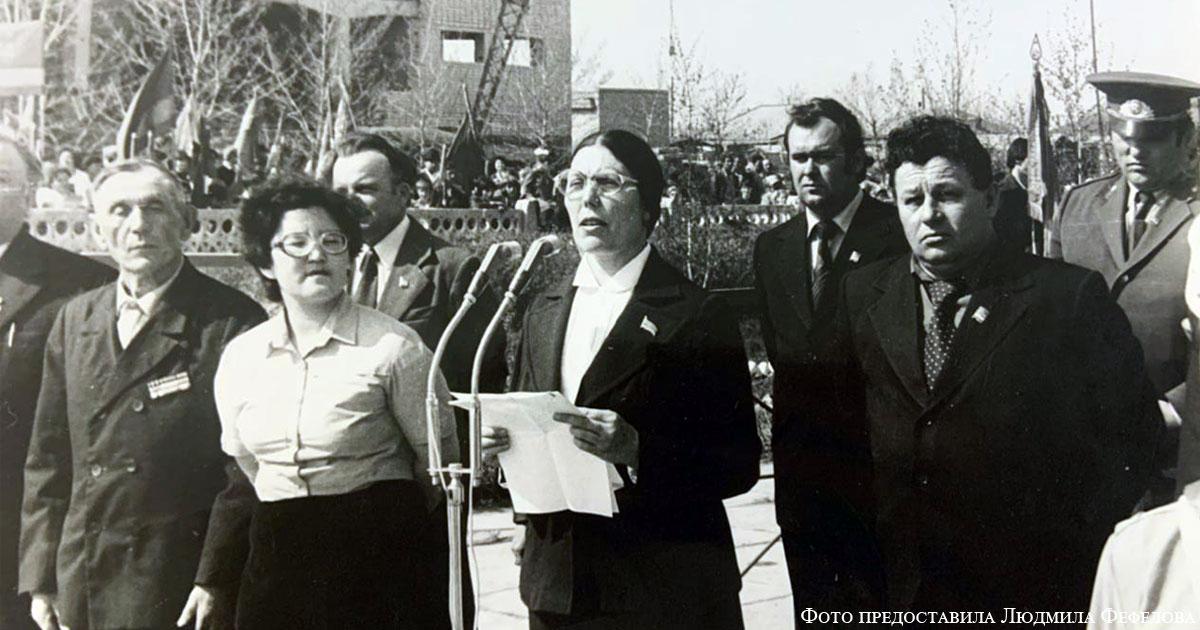 Вера Сидорова (в центре), справа от нее – Андрей Яуфман, чуть выше – Альберт Рук