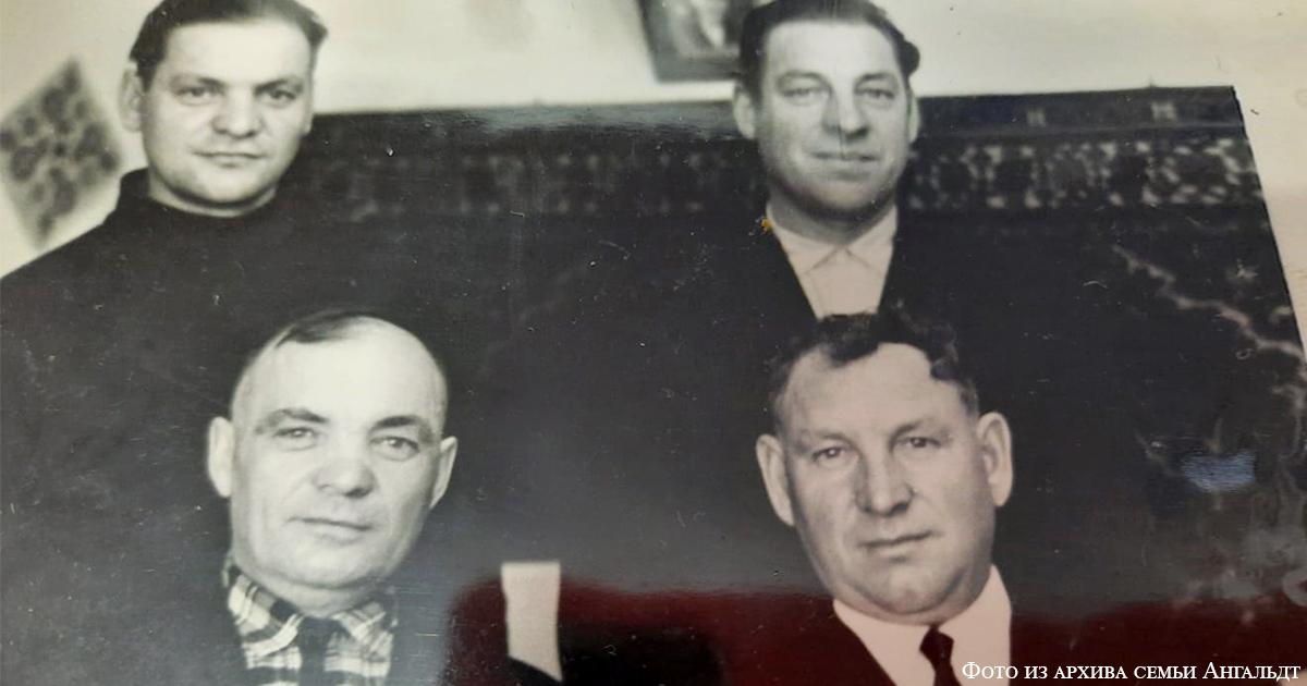 Братья Ангальдт: (слева направо) вверху Леонтий и Александр, внизу - Иван и Рудольф
