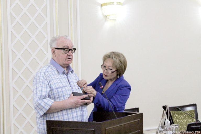 Unser Korrektor bekam Jubiläums-Medaille verliehen