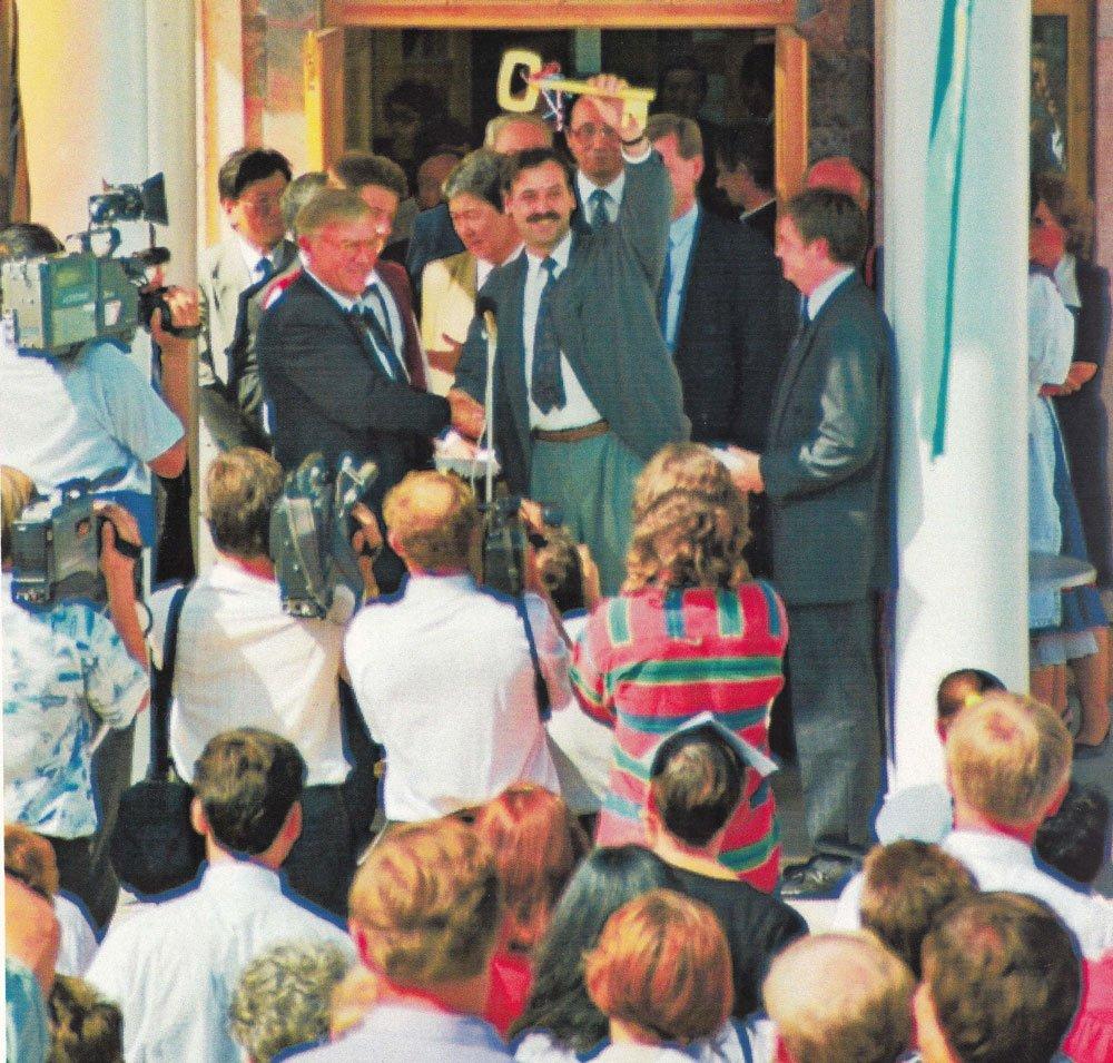 Deutsche Haus feierlich eröffnet.