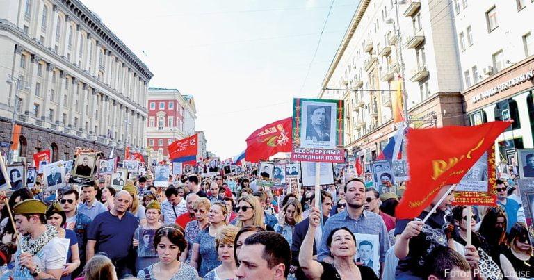 Ausmarschiert? Russland gedenkt – und sucht nach mehr Geschichte