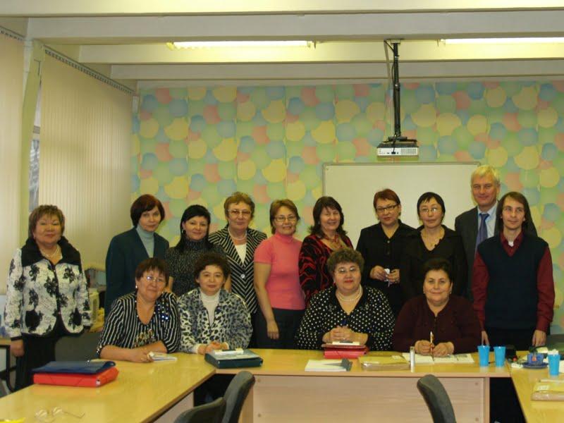 Machen die Schüler fit für das Deutsche Sprachdiplom: Direktoren und Lehrer der sechs DSD-Schulen in Kasachstan.
