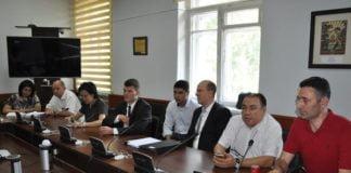 Unterzeichnung eines Vertrags über den Bau eines Nationalen Perinatal-Zentrums