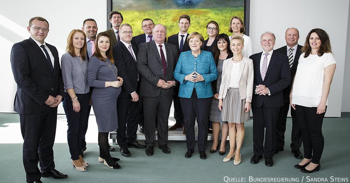 Bundeskanzlerin Dr. Angela Merkel im Gespräch mit Vertretern der Russlanddeutschen