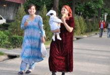 Alltag tadschikischer Frauen wie Idigul