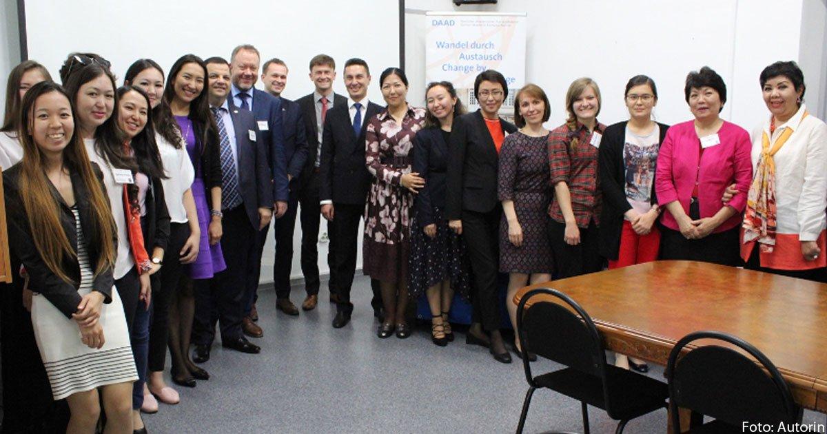 Wie kann das Servicebewusstsein in Kasachstan wachsen?