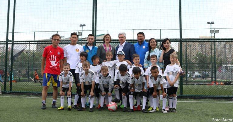 Deutsche Fußballschule in Kirgisistan eröffnet