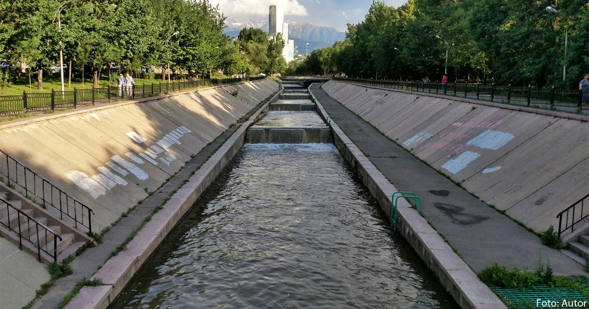 Der Jessentai-Fluss im Viertel Koktem.