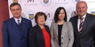 VdG-Vorsitzender Bernhard Gaida, Museumsdirektorin Urszula Zajaczkowska, Moderatorin Dr. Magdalena Lemańczyk, Buchautor Hartmut Koschyk.