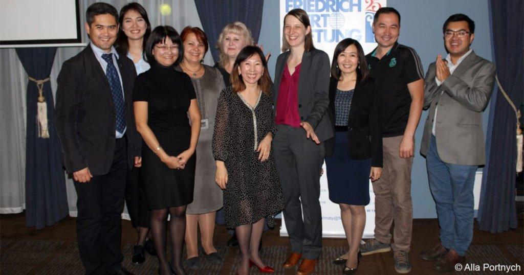 Mitarbeiterinnen und Mitarbeiter des FES-Büros in Almaty.