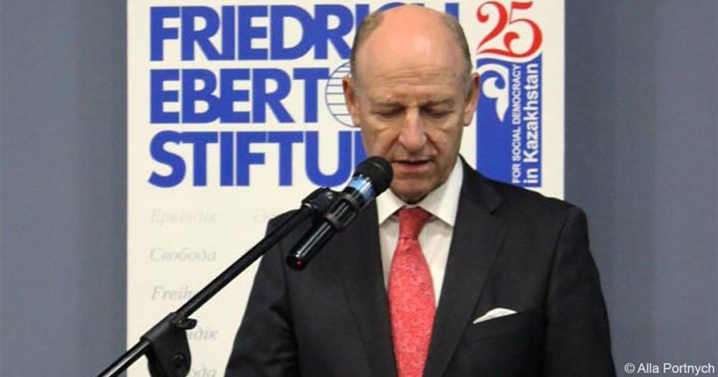 Generalkonsul Jörn Rosenberg beim Empfang zum 25. Jubiläum der FES in Almaty.