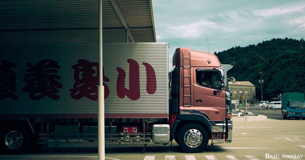 Ein chinesischer LKW auf dem Weg nach Westen.