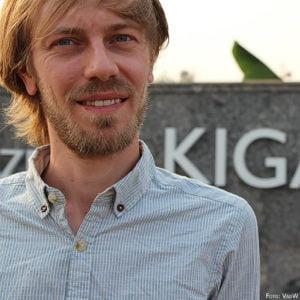 Der kasachstandeutsche Regisseur verfolgte die Spuren des Deutschen Theaters in Kasachstan.