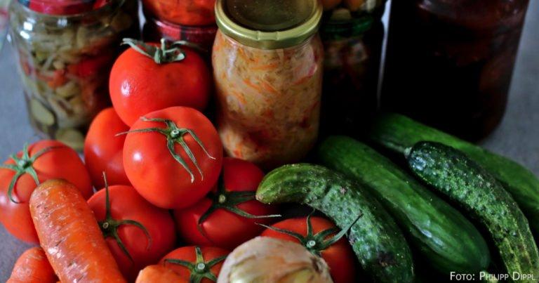 Obst und Gemüse aus eigener Zucht