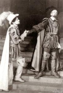 """Nikolaus Baumann (links) in """"Don Carlos"""" von Schiller, 1934/1935."""