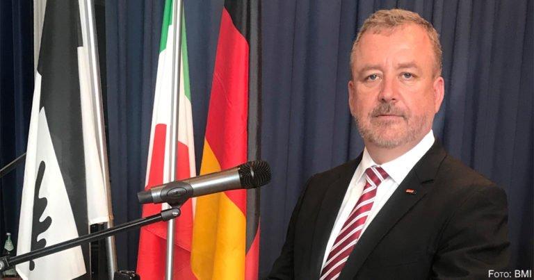 Minderheitenbeauftragter warnt vor Geschichtsvergessenheit in Deutschland