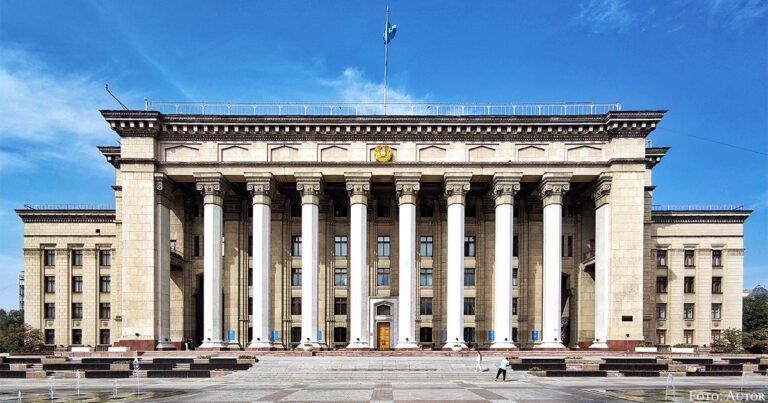 Das vielleicht letzte stalinistische Gebäude der Sowjetunion