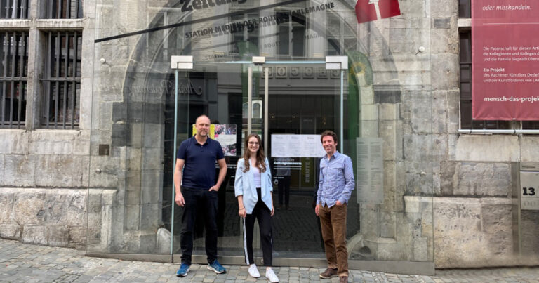 Fahrt zum Internationalen Zeitungsmuseum in Aachen