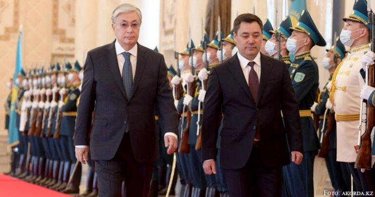Sadyr Schaparow zu offiziellen Besuchen in Nur-Sultan und Moskau