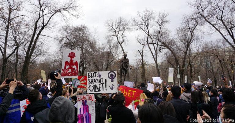 Frauenmarsch in Almaty: Gleiche Rechte für alle